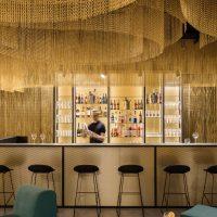 Wolsztyn Drink Bar_3-with person-Web Size
